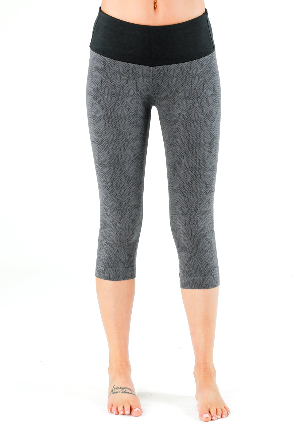 Spectrum grey with black hexagonal pattern capri yoga legging bamboo organic cotton