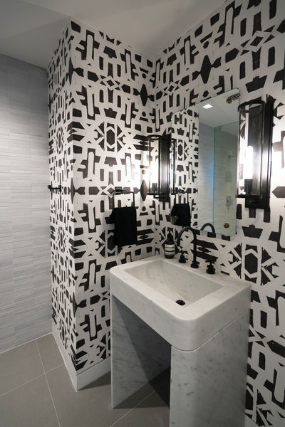 82113 Black White Inverse Eco-Friendly Type II Wallcovering
