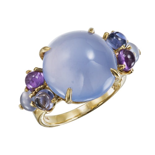 Large cabochon chalcedony ring in 18k yellow gold