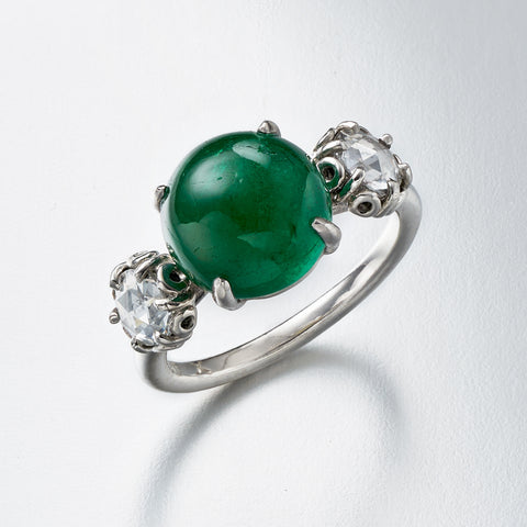 Three-Stone Emerald cabochon and rose cut diamond Ring
