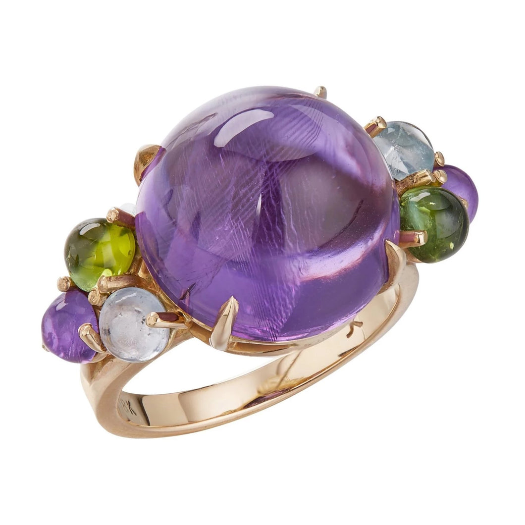 Large cabochon amethyst ring  in 18k yellow gold