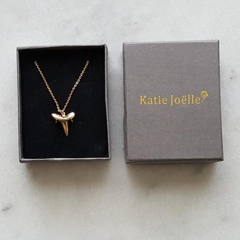 Image of Shark Tooth Pendant Necklace in Gold