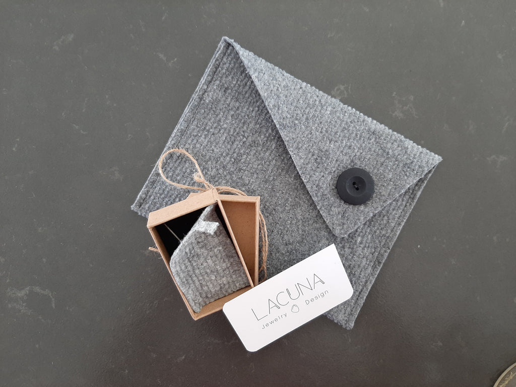 lacuna jewelry gift package