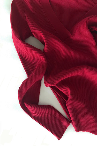 Storm & Marie - Ribbed V-Neck in Tibetan Red