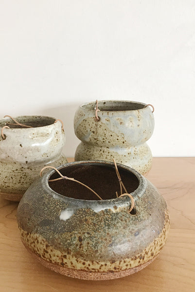 YES Ceramics - Medium Hanging Pot