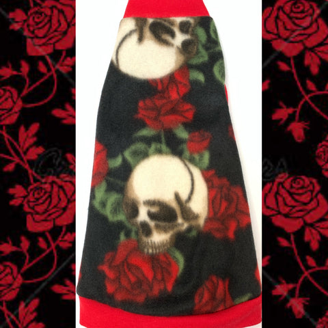 "Black Skulls & Roses Fleece ""Fearless Soul"""