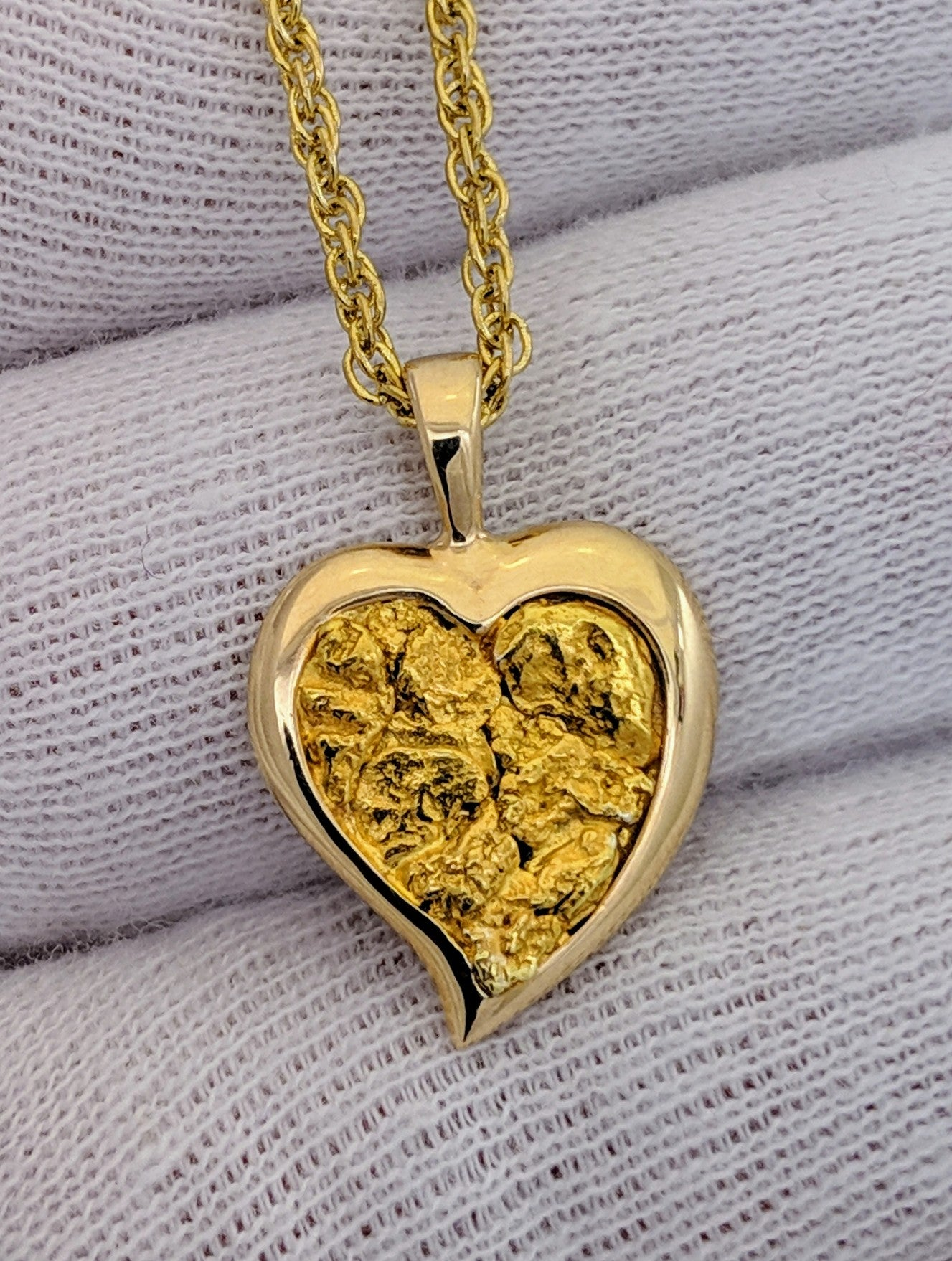 NATURAL GOLD NUGGET HEART SHAPE PENDANT