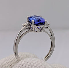Tanzanite & Diamond Ring 14kt White Gold