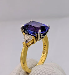 Tanzanite & Diamond Ring 18kt Gold
