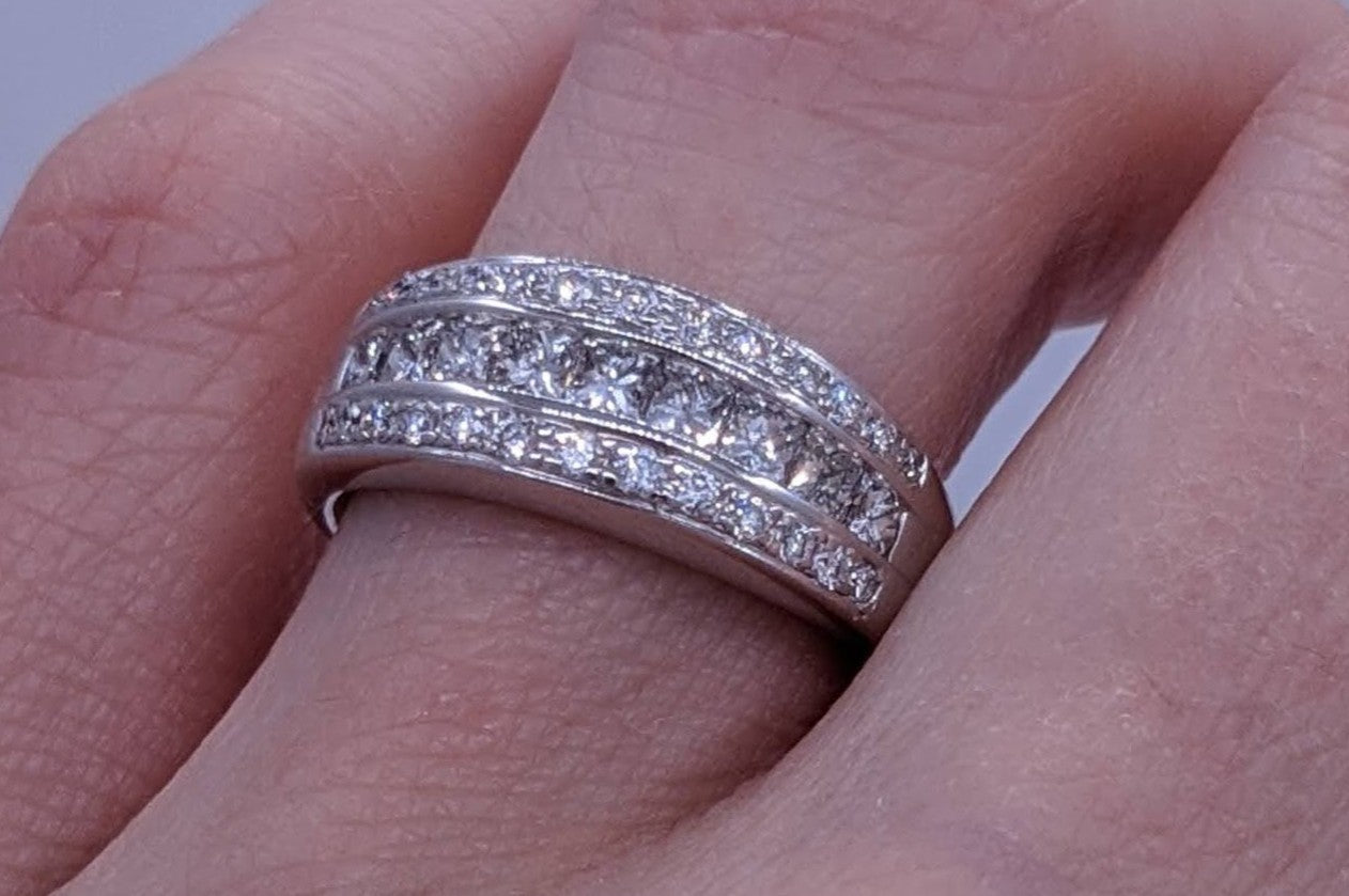 Princess Cut & Round Diamond Ring 14kt White Gold