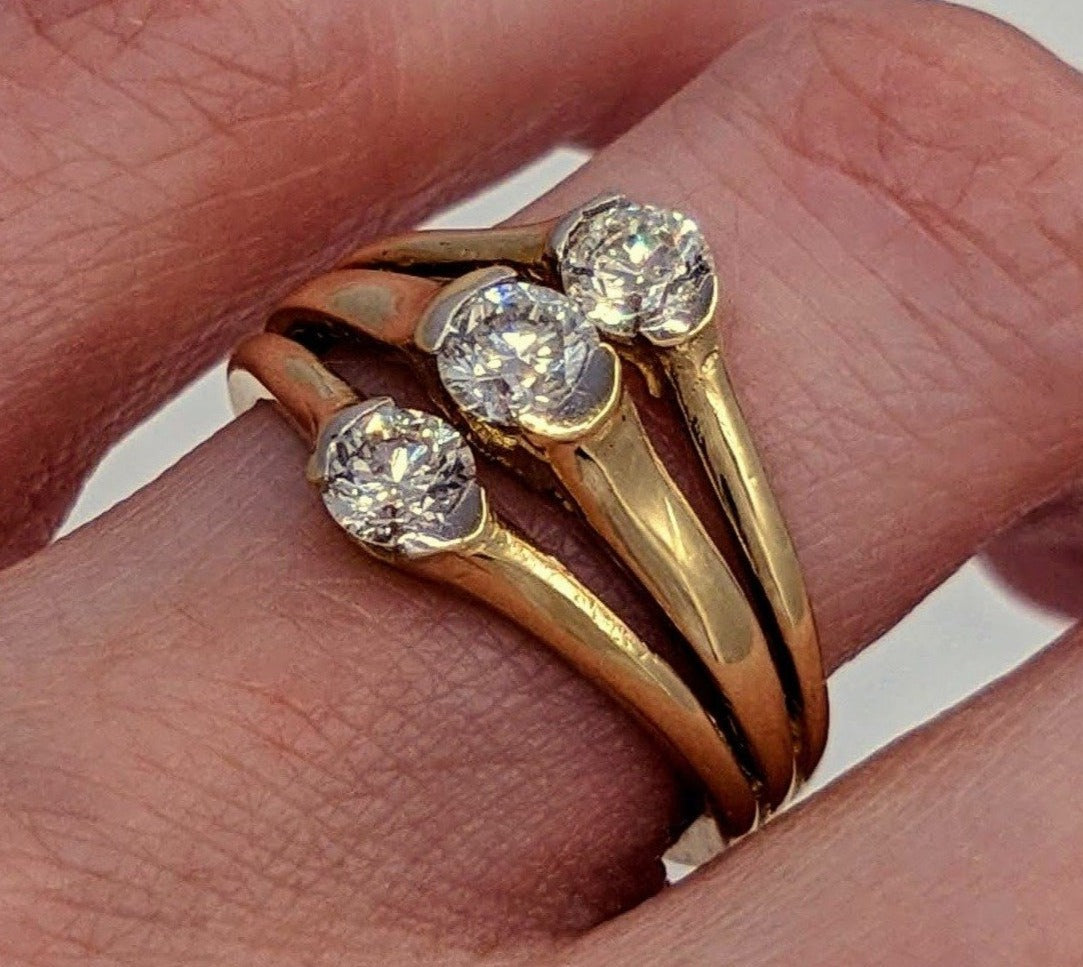 Diamond Ring 14kt Yellow Gold Past-Present-Future Design