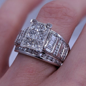 Princess Cut Baguette & Round Diamond Ring 14kt White Gold