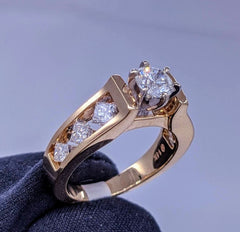 Round Solitaire & Princess Cut Diamond Ring 14kt Gold