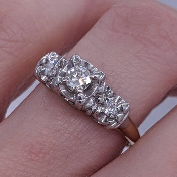 Vintage Past Present Future 3-Stone Diamond Ring 14kt Gold