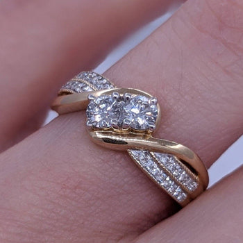 Twin Round Diamond Ring 14kt Yellow Gold