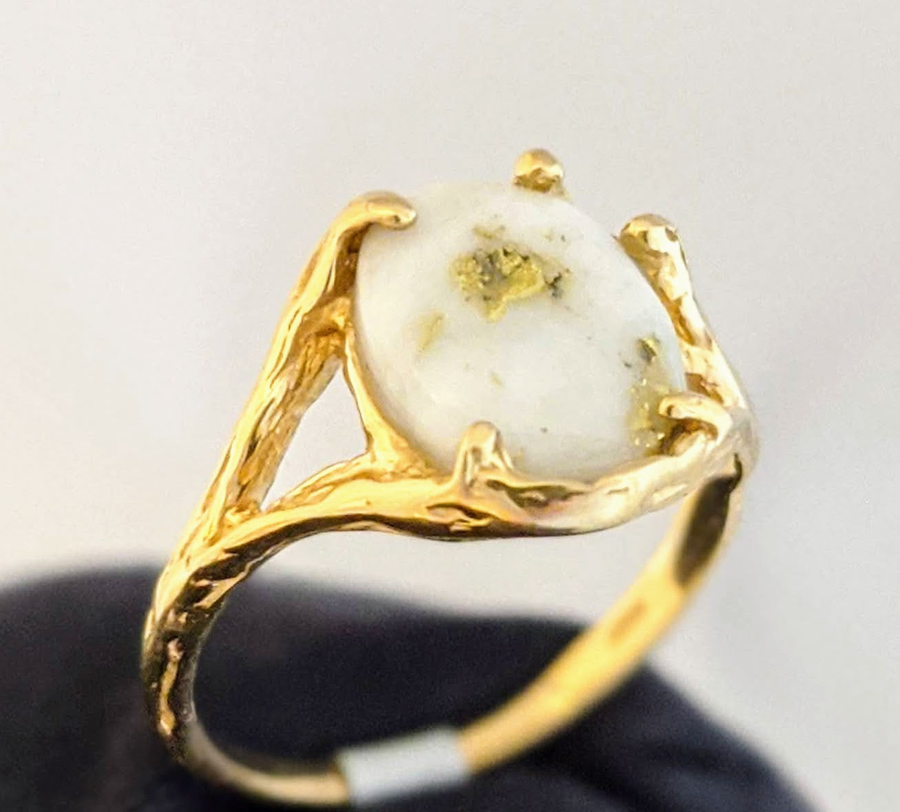 Natural Gold Quartz Ring