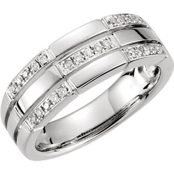DIAMOND BAND TRIPLE ROW 14KT WHITE GOLD RING
