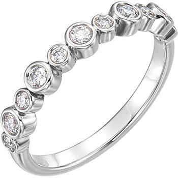DIAMOND BEZEL SET RING 14KT WHITE GOLD