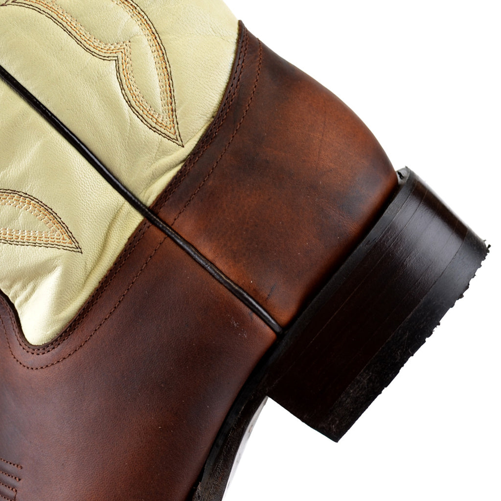 Wide Square Toe Leather Boot KE-48229940