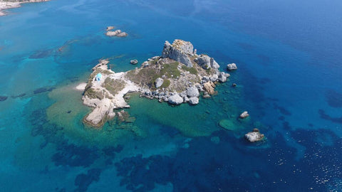 Island in Greece where Oilladi thyme honey comes from