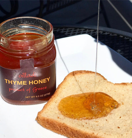 Oilladi thyme honey imported from the islands of Greece with bread