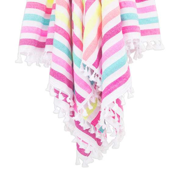 Beach towel with fringes