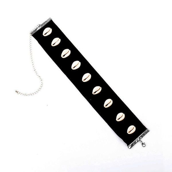 IZMIR. Black Velvet Shell Choker | Elnique