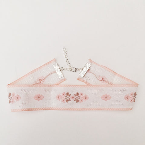 ALEXA. Pink Floral Embroidered Folk Fabric Choker | Elnique