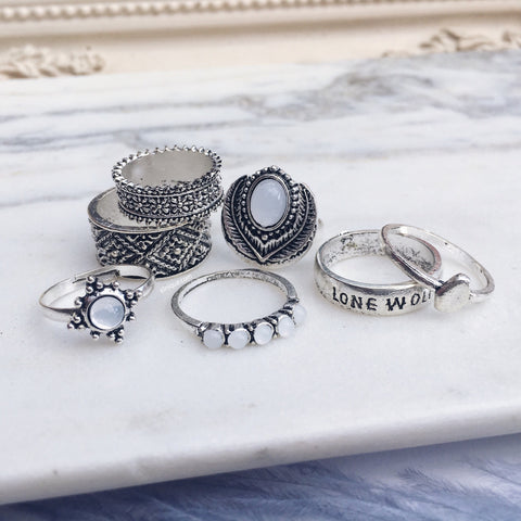 LONE WOLF. 7 Piece Silver Tone Ring Set | Elnique