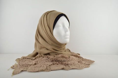 Plain Hijab with Rose Lace