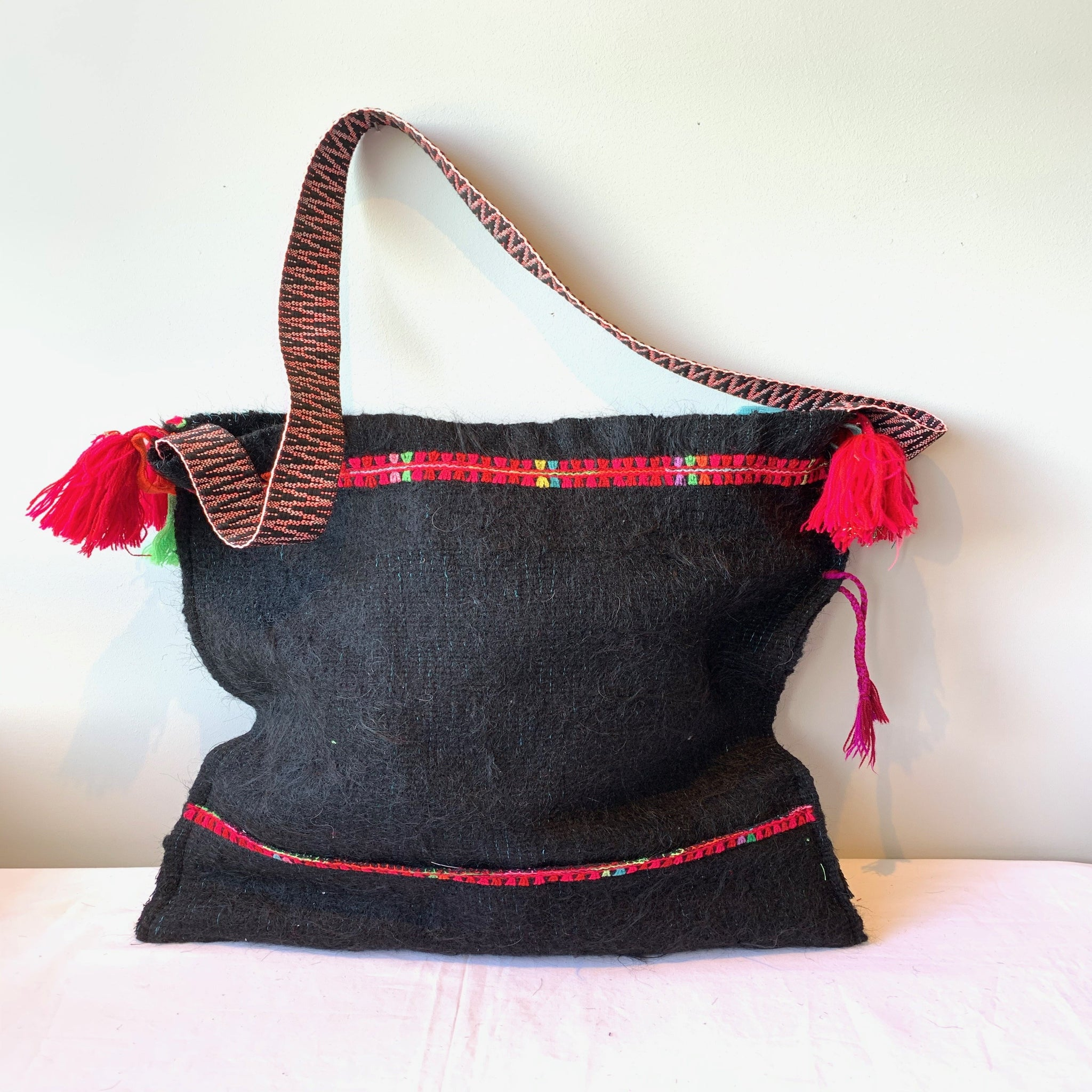 Exclusive hand made bag from Chamula in Chiapas, Mexico