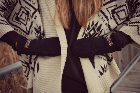 Cozy Fingers, Deer Suede Mitts - Black