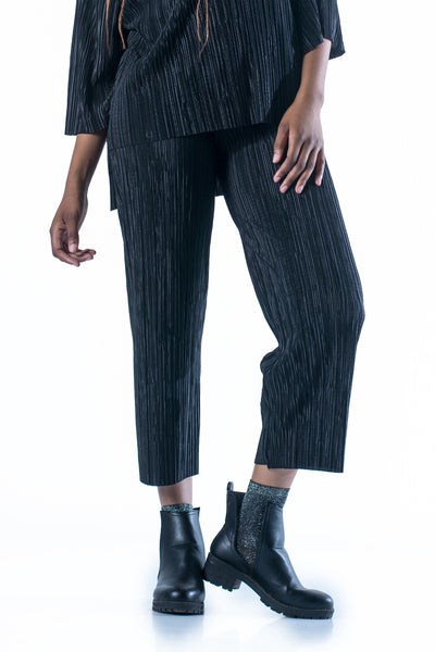 No Scrubs Pleated Pants - Black