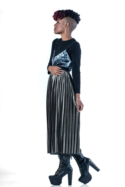 Finesse Velvet Pleated Midi Skirt - Sage