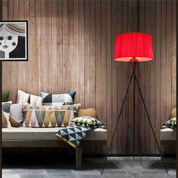 Tripode G5 Floor Lamp By Santa & Cole FL8