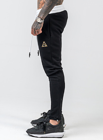 ESSENTIAL SWEATS - BLACK
