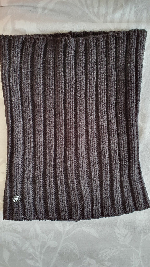 Sorry 4 The Mess - Knitted Cowl/Snood scarf in black with logo