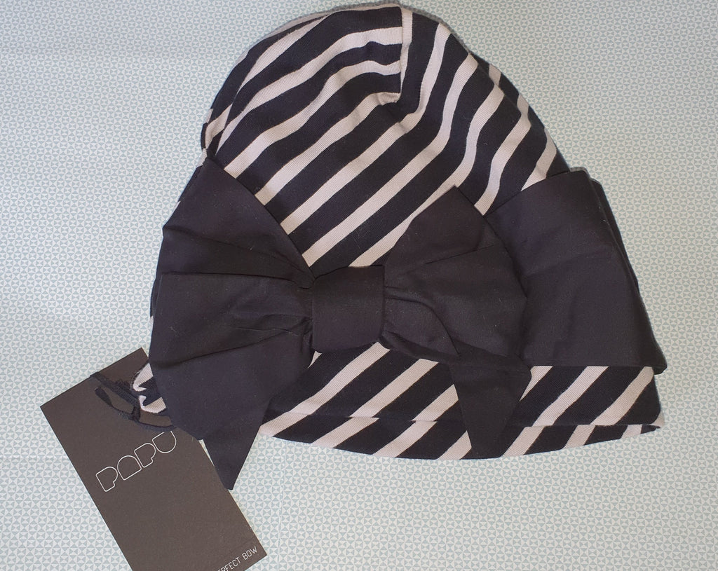 Papu Pinja' Bow Beanie in stripe (black & beige)