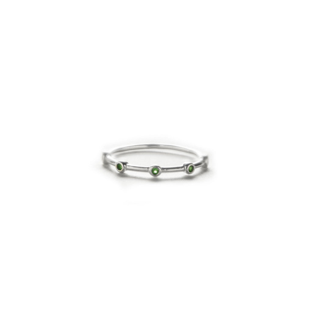 Emerald Point Ring - BE.ARUM  - 1