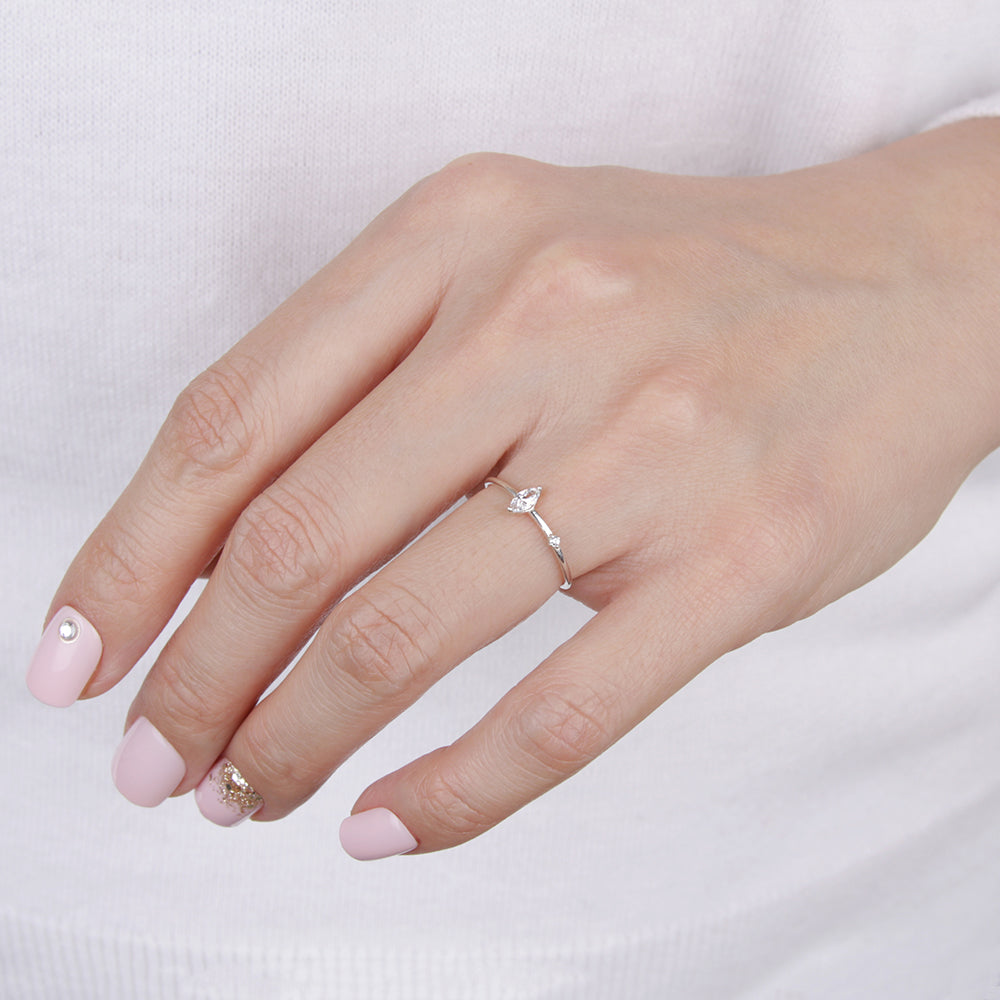 Marquise Delicate Point Ring