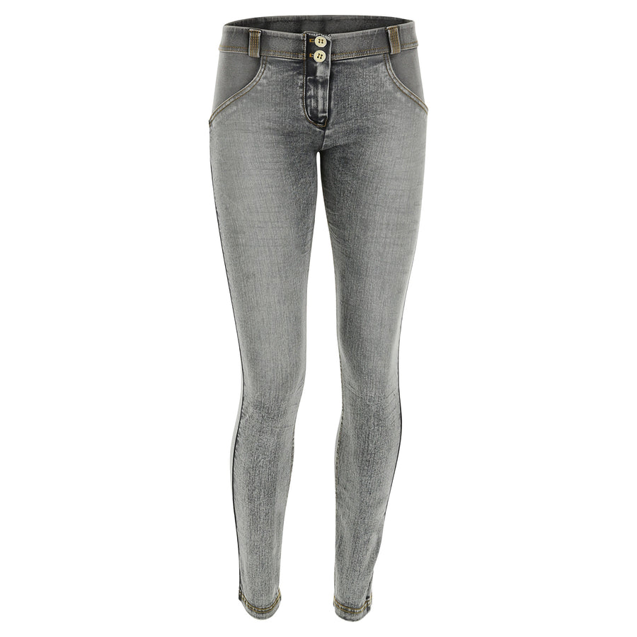 Freddy WR.UP® Whiskering Denim Regular Rise Skinny - Grey Rinse +Yellow Stitching