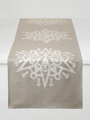 Dermond Peterson Snöflinga Table Runner in White on Natural Linen