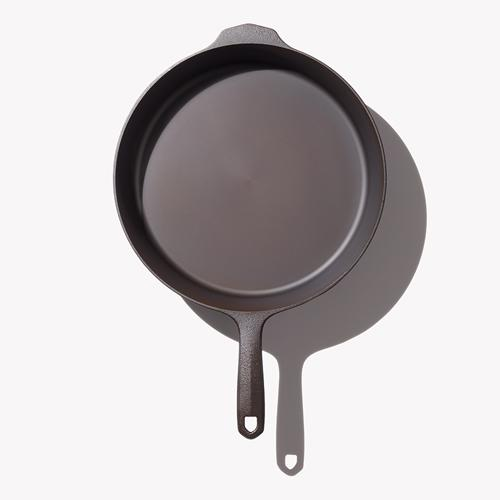 Field Cast Iron No.10 Skillet