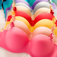 5 Bras You NEED for Traveling