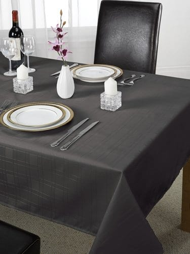 Chequers – Jacquard Tablecloth in Black