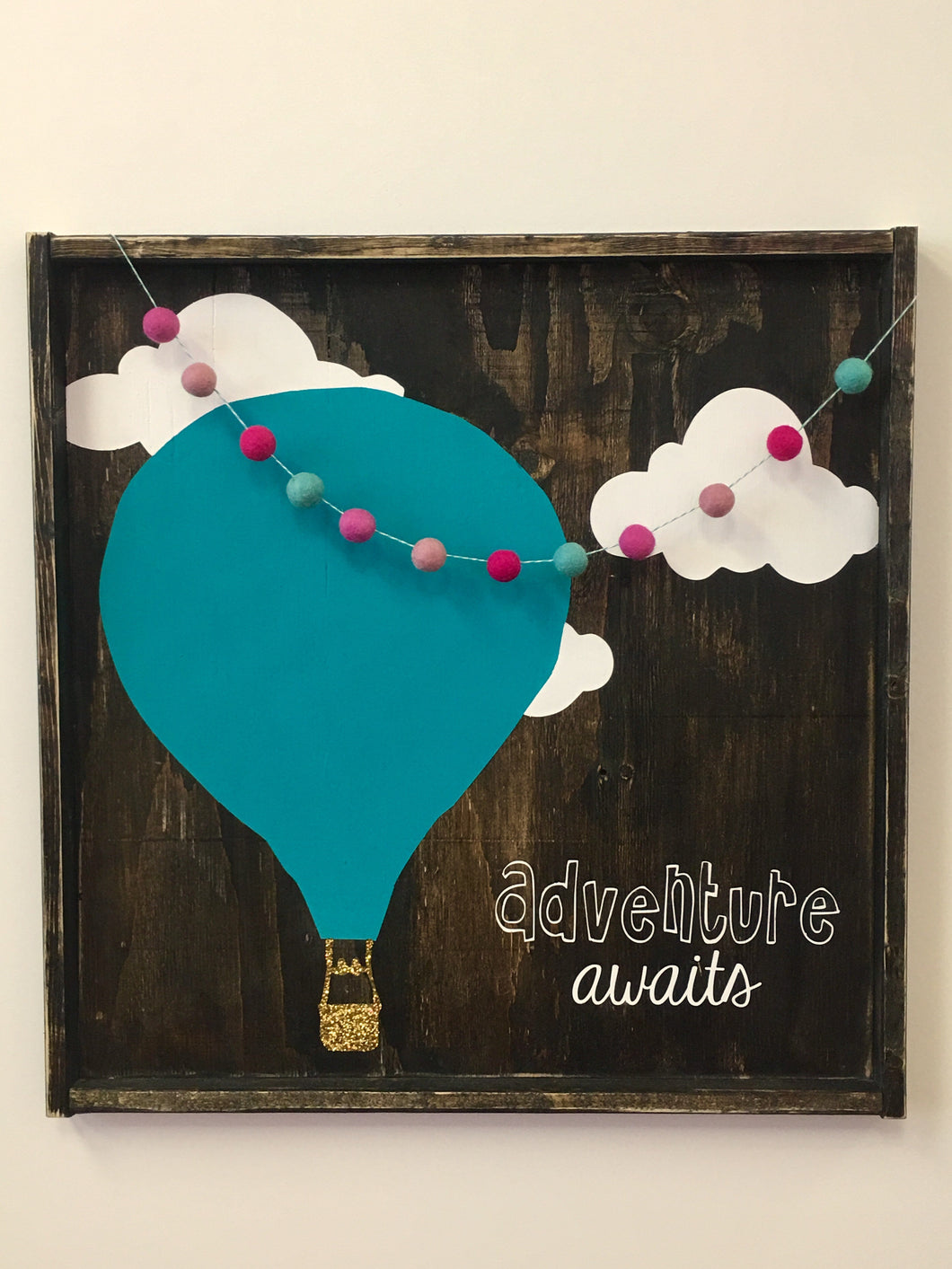 adventure-awaits-balloon