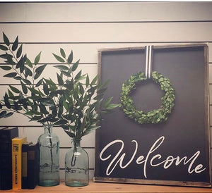 Welcome With Wreath