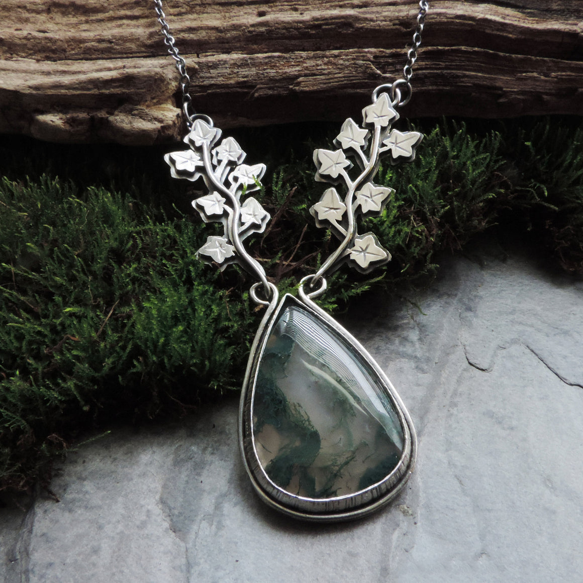 English Ivy Necklace with Moss Agate Stone