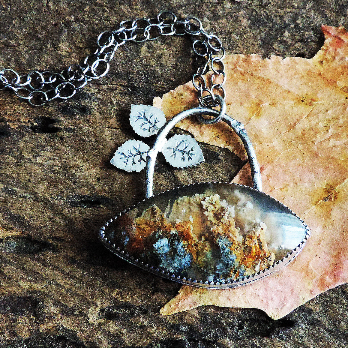 Aspen Leaves Arched Plume Agate Necklace