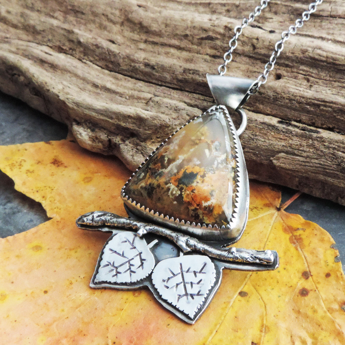 Aspen Leaves and Triangle Plume Agate Necklace
